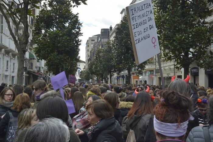 Milaka emakumek egin dute bat borroka feministarekin  - 55