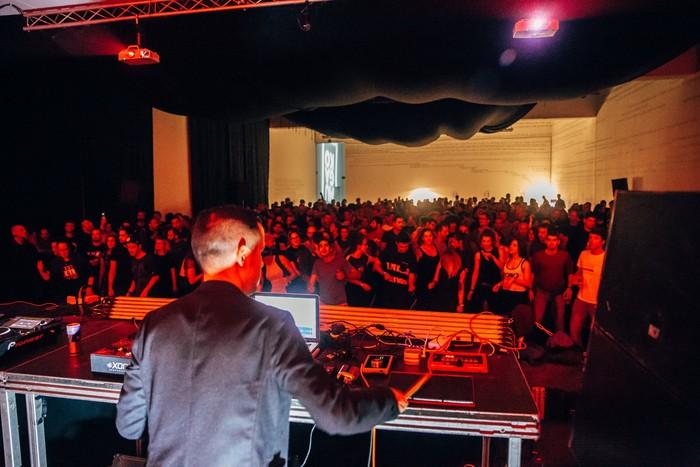 Musika elektroniko garaikide onena eskainiko du Mugako jaialdiak