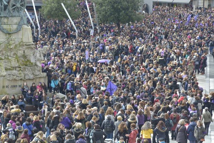 Milaka emakumek egin dute bat borroka feministarekin  - 15