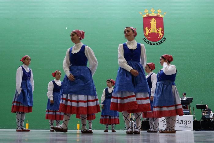 Gorbeialdeko dantzarien topagunea - 12