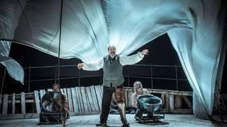 Moby Dick antzerkirako sarrera bikoitza