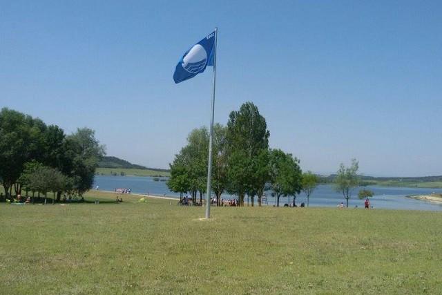 Garaioko eta Landako hondartzek bandera urdina lortu dute aurten ere