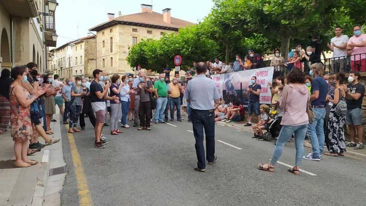 Sader enpresa kutsagarria Goiainen jartzearen kontra mobilizatu dira Legution
