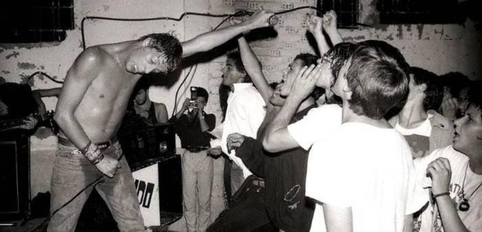 Gasteiz 1986an: ke-potoen arteko jaiak, punkiak, blusak eta polizia