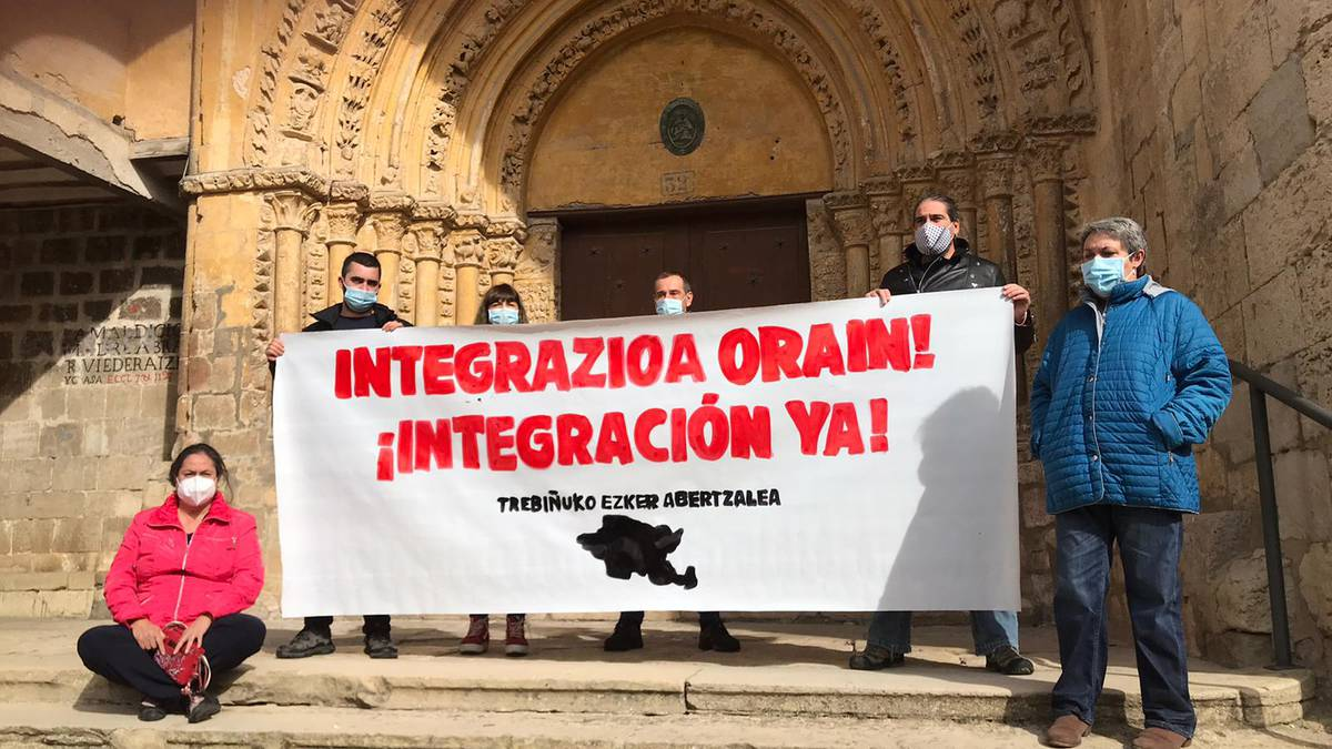"""Trebiñuren """"berehalako integrazioa"""" eskatu dute"""