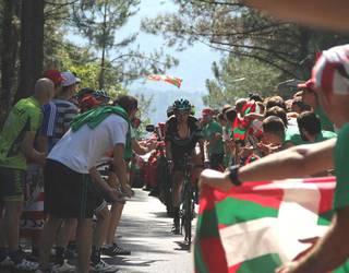 Bihar eguerdian igaroko da Espainiako Vuelta Gasteiztik
