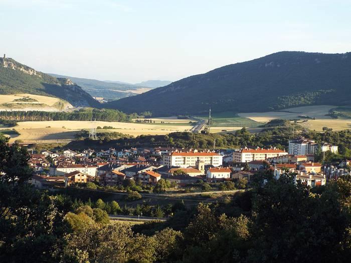 Bost udalerri arabar konfinatuta eta Gasteiz linboan, Aste Santuaren atarian