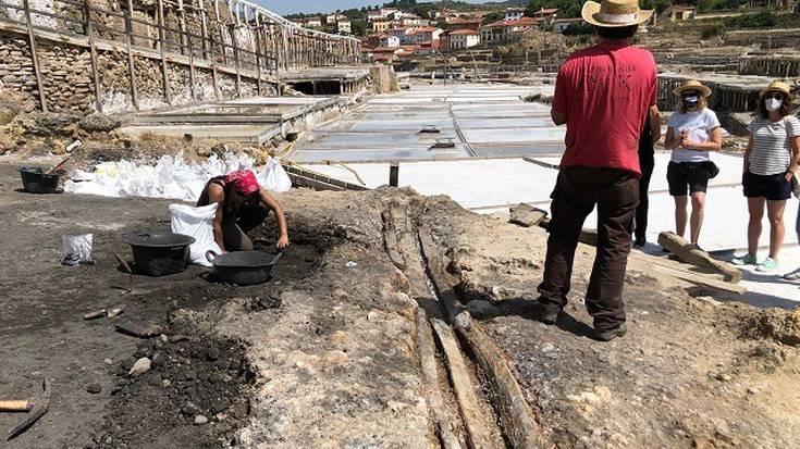 1.200 urteko gatzunetarako egurrezko kanala aurkitu dute