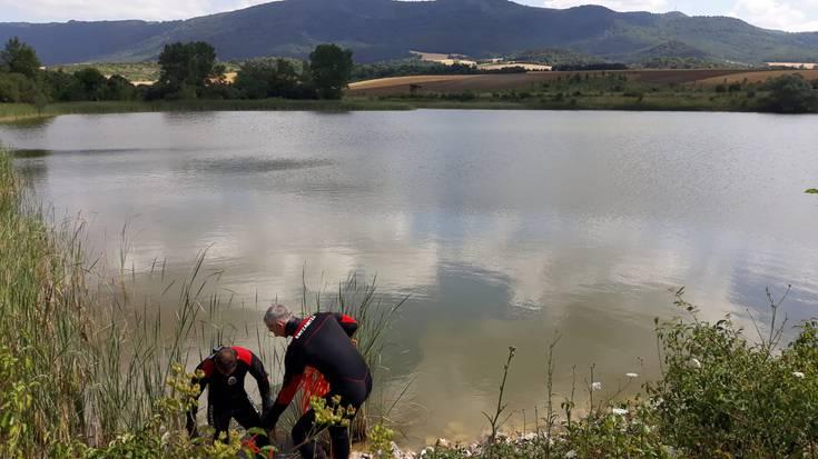 Gizon baten hilotza aurkitu dute Langarikako urmaelean