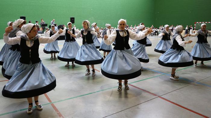 Gorbeialdeko dantzarien topagunea - 14
