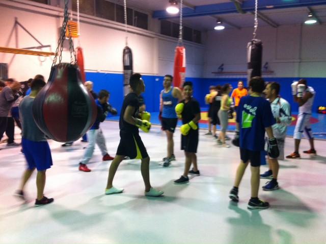 Boxeo eskola, bazterketa arriskuan dauden gazteak gizarteratzeko