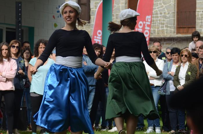 Eguzkia ere batu zaio festari - 3